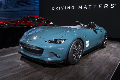 Show-Goers at Chicago Auto Show Witness Mazda MX-5 Speedster Concept