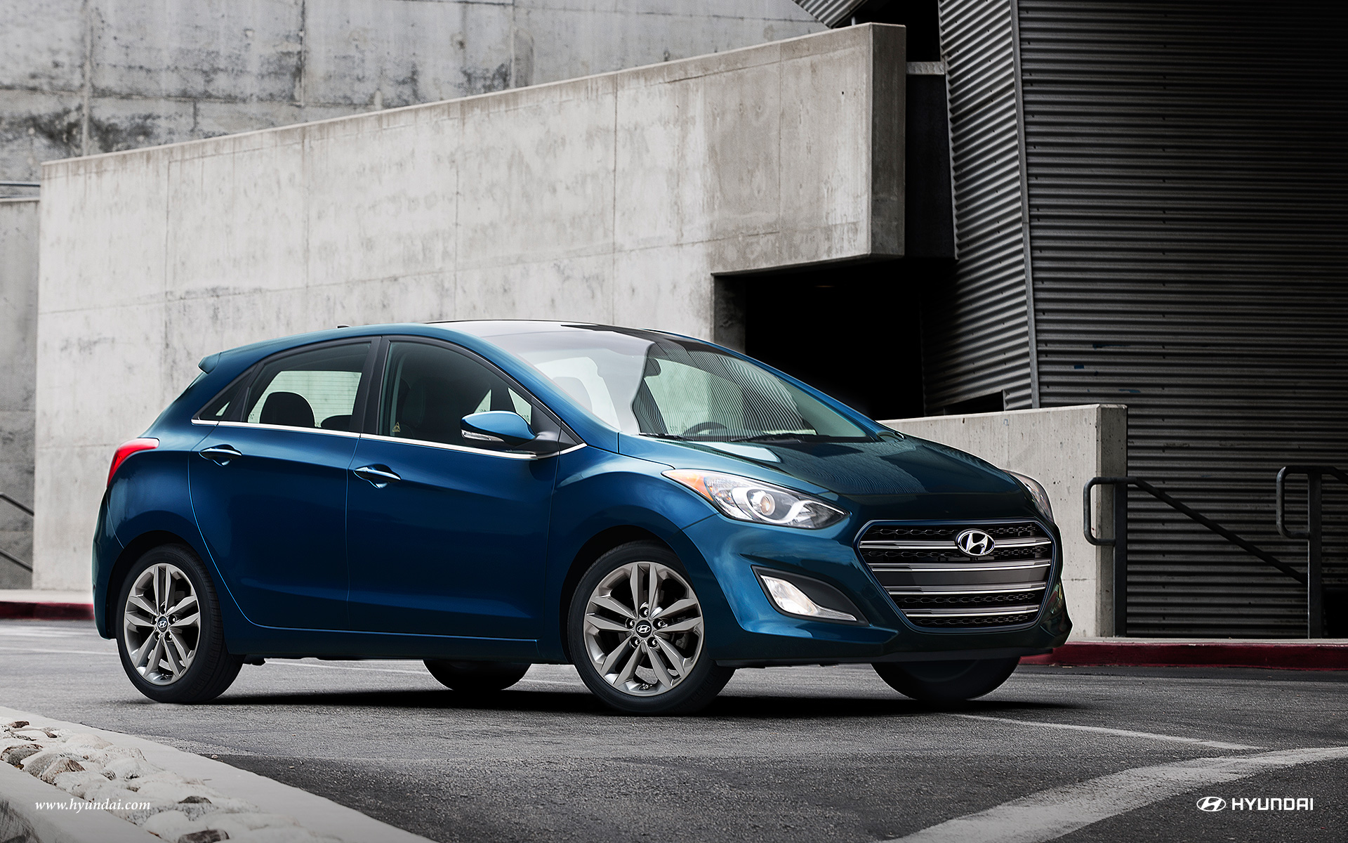 the hyundai elantra gt 2016 performance features. Black Bedroom Furniture Sets. Home Design Ideas