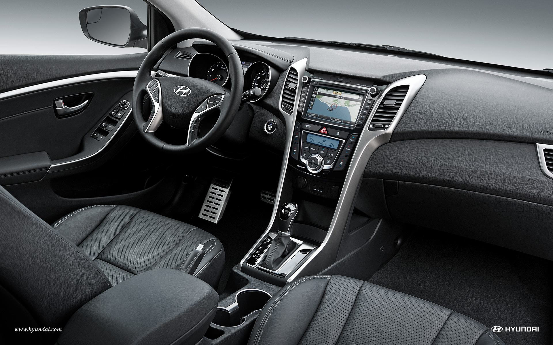 Interior Features Of The 2016 Hyundai Elantra GT