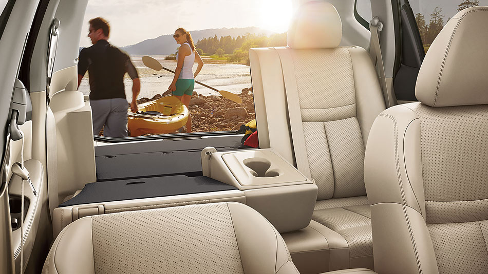 2016-nissan-rogue-seating-space-large