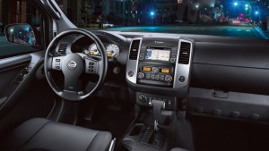 2016-nissan-frontier-interior-console-large