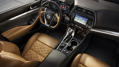 Nissan Maxima Offers Exotic Car Interior Features