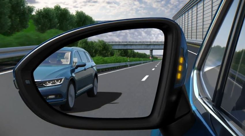 side assist technology  volkswagen cars