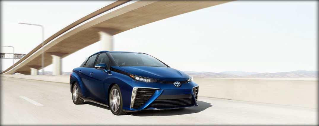 front view of the 2017 toyota mirai