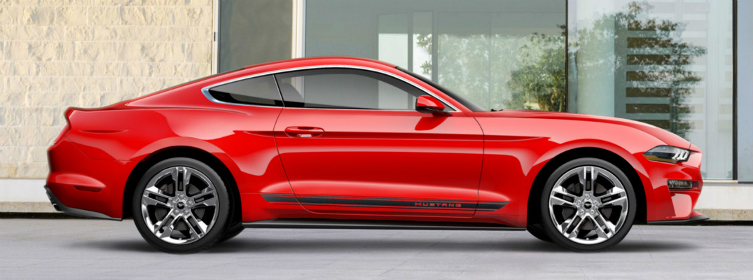What does the Pony Package for the 2018 Ford Mustang add?