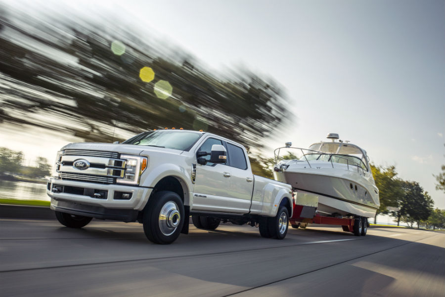New high-end 2018 Ford Super Duty can have up to 30,000 pounds of towing capacity