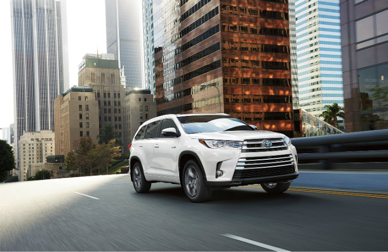 highlander toyota hybrid tow much towing capacity
