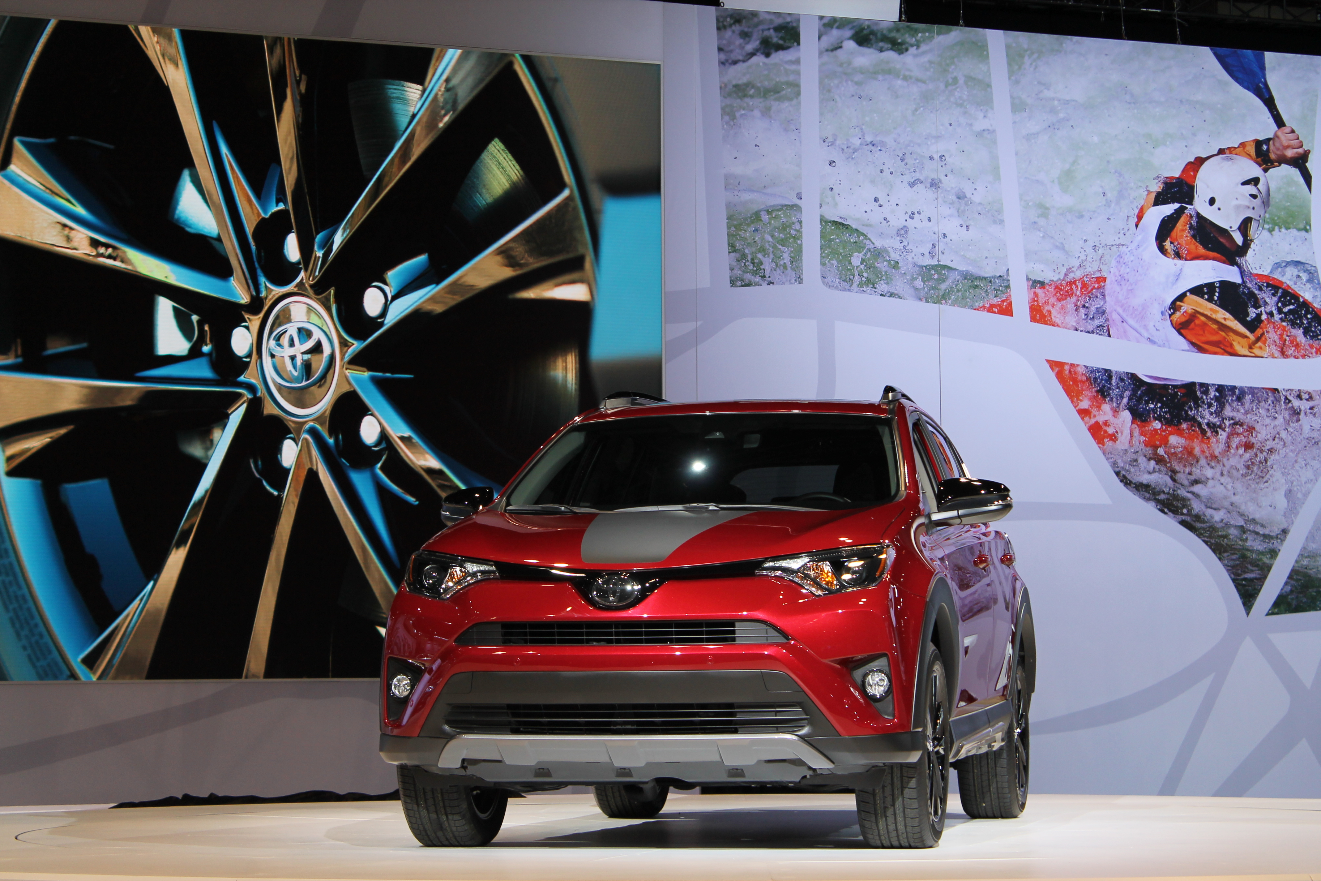 Chicago Auto Show Dates >> 2018 Toyota RAV4 Adventure Release Date and Towing Specs