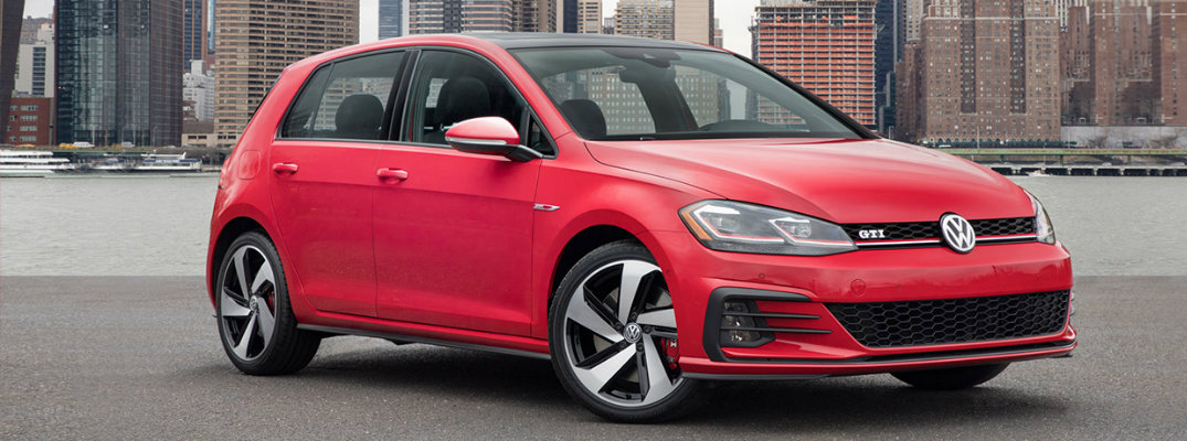2018 Volkswagen Golf GTI release date and performance features