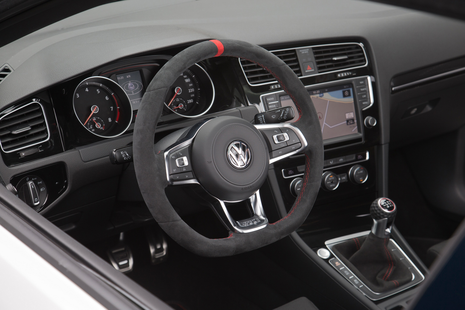 2016 volkswagen golf gti clubsport interior photos are for Interior volkswagen golf