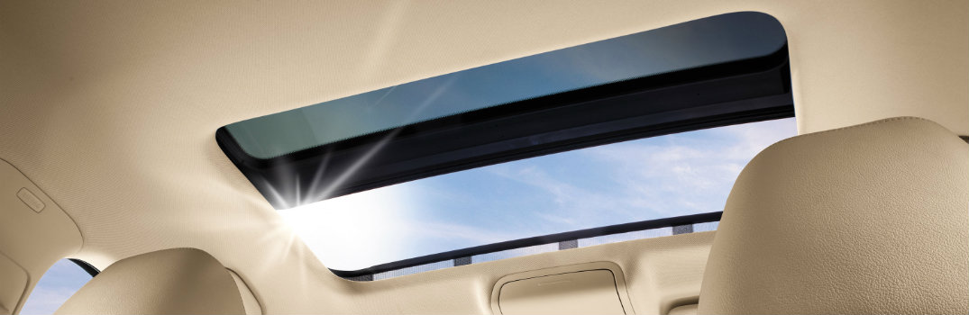 What is the difference between a sunroof and moonroof?