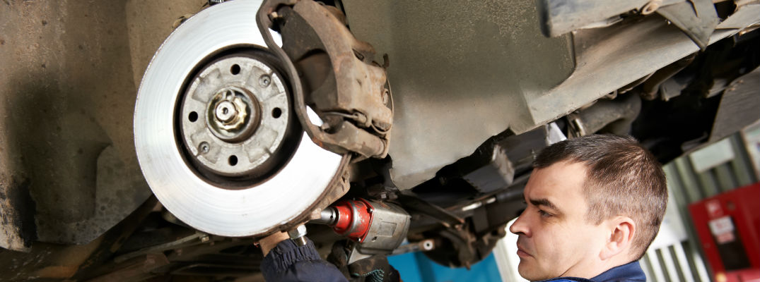 Causes of Car Brakes Squeaking when to replace brake pads