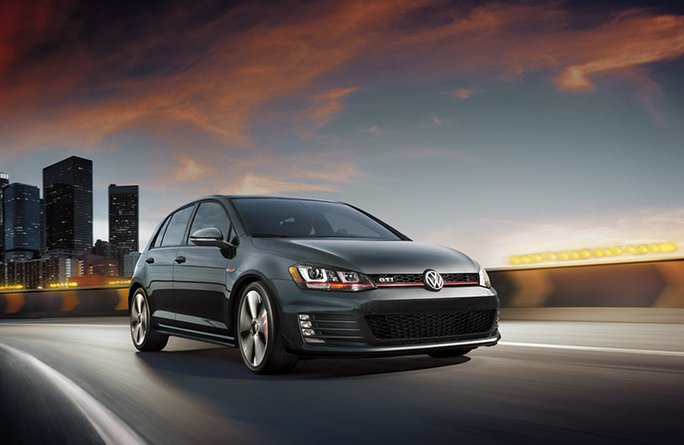 2016 volkswagen golf line up features chicago auto show. Black Bedroom Furniture Sets. Home Design Ideas