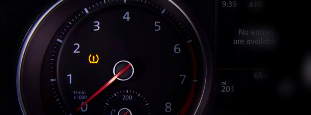 How does the VW tire pressure management system work?