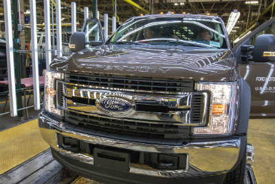Ford F-150 production front