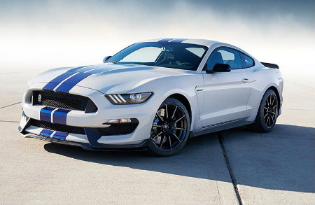 2017 Ford Shelby Mustang GT350 front
