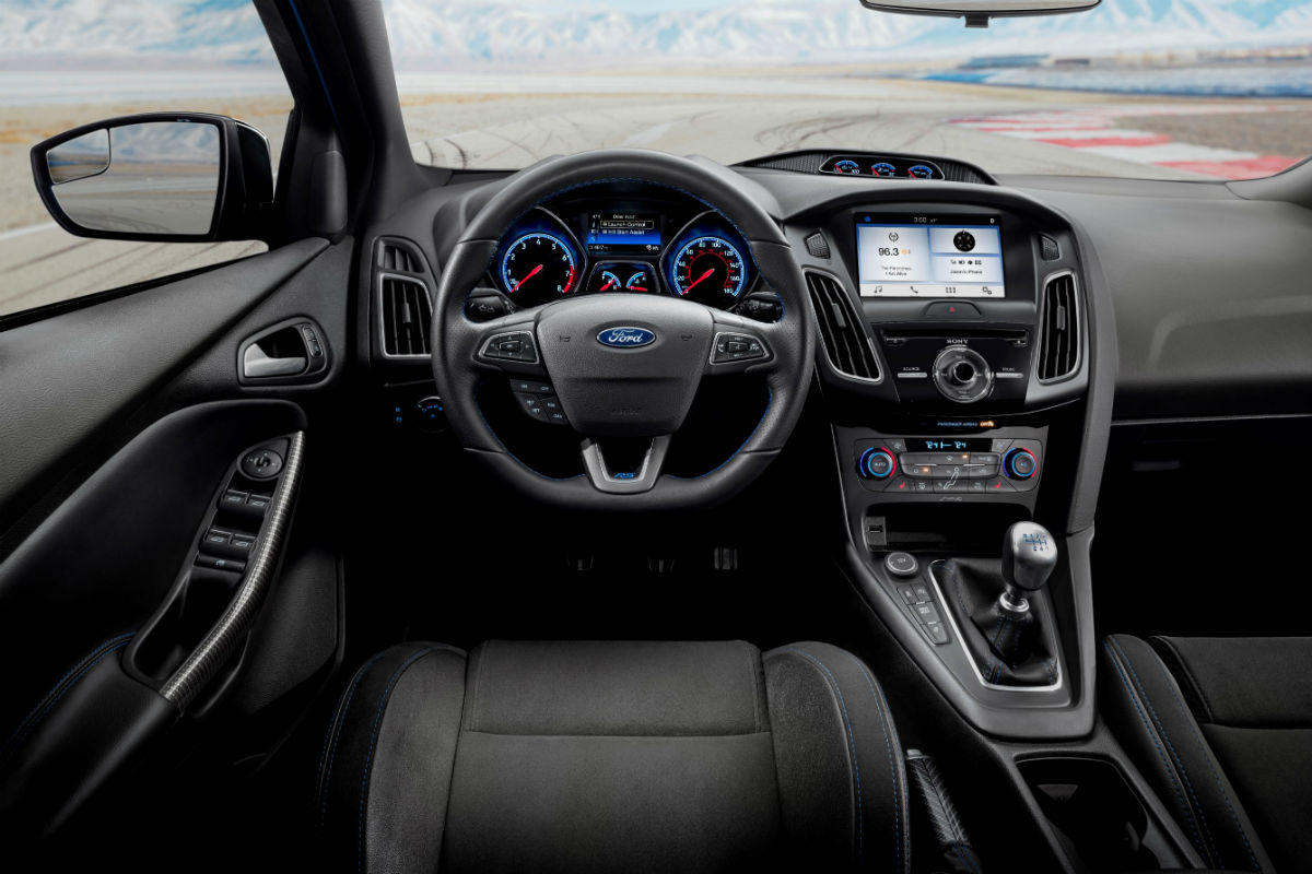 2018 ford focus rs limited edition style features