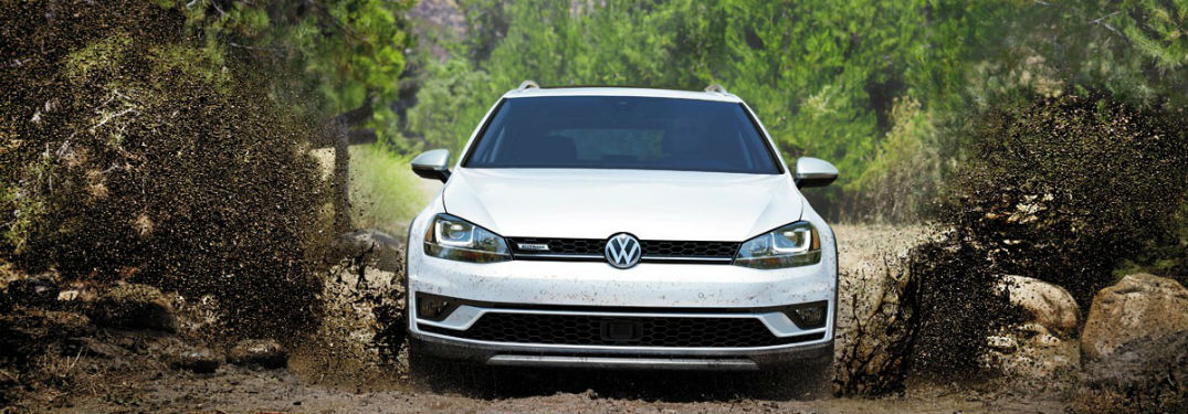 2017 Golf Alltrack Style and Technology