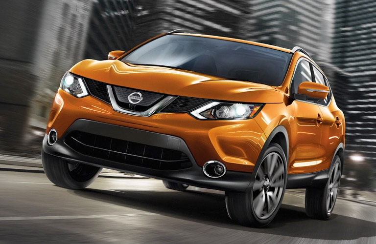 2017 nissan rogue sport level up commercial with beck song girl from guero. Black Bedroom Furniture Sets. Home Design Ideas