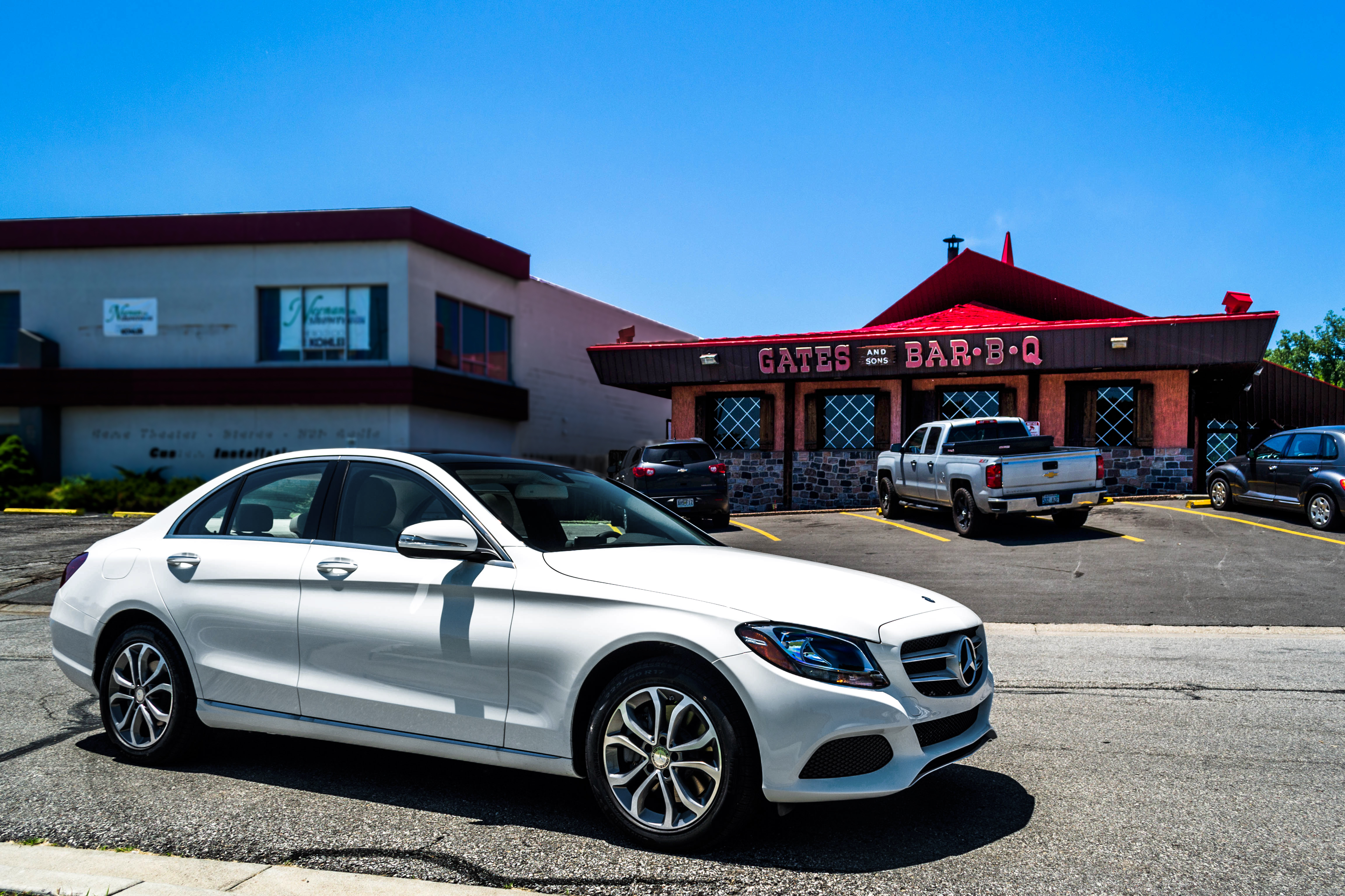 Review 2015 mercedes benz c class w205 aristocrat motors for Aristocrat motors mercedes benz