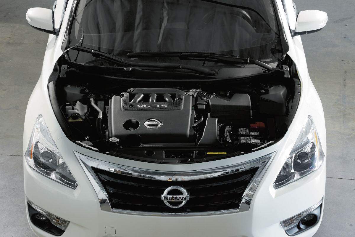 Under the hood look at the 2018 Nissan Altima