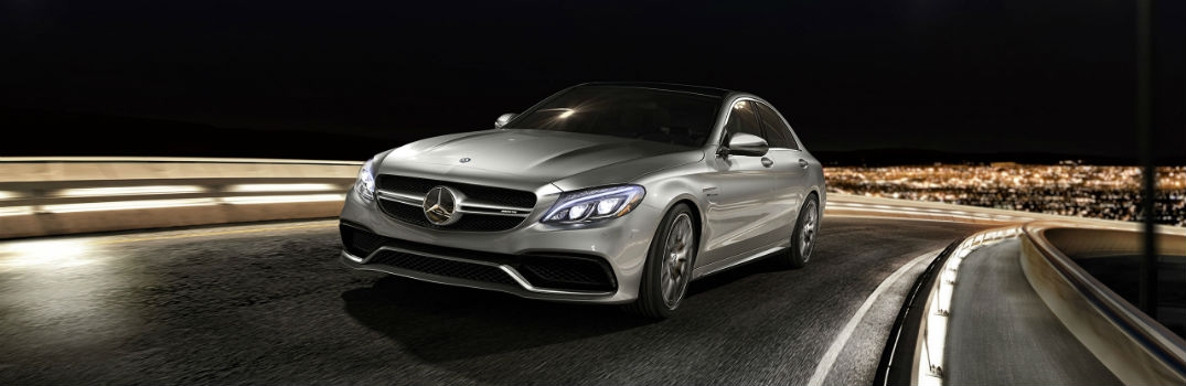 What kind of technology features does the Mercedes-Benz C 300 have?