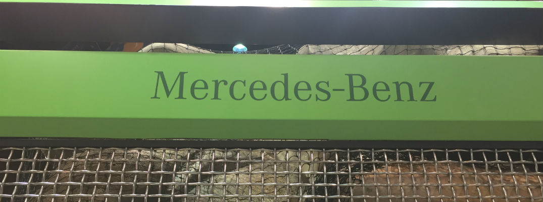 Complete mercedes benz coverage at chicago auto show for Mercedes benz chicago dealers