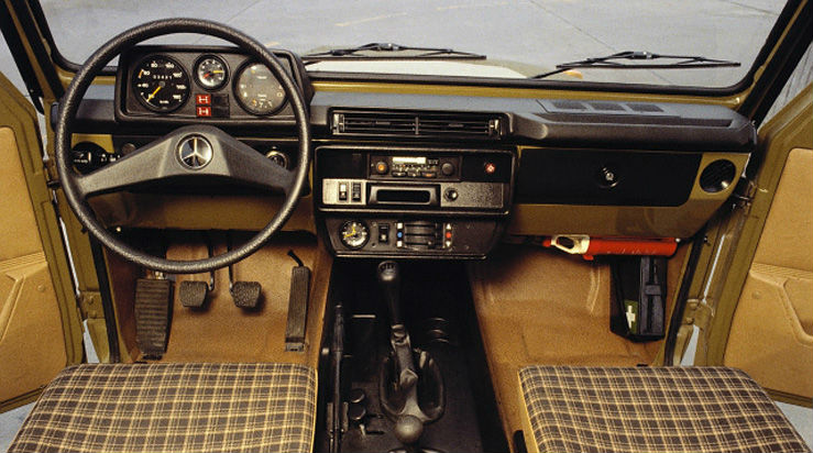Mercedes benz g class history for Interieur lada niva