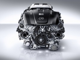 Mercedes-Benz M178 Engine Out of the Box