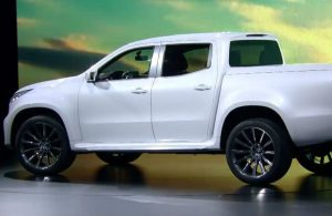 Mercedes-Benz X-Class White Side