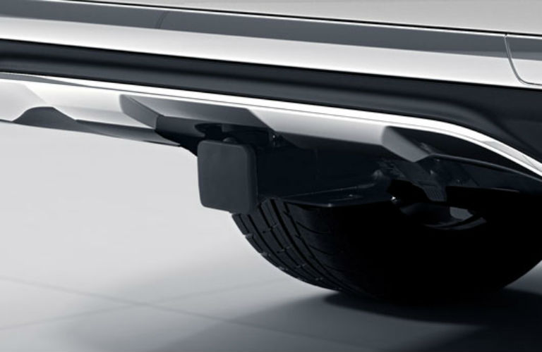Does the Mercedes-Benz comes with a trailer hitch?