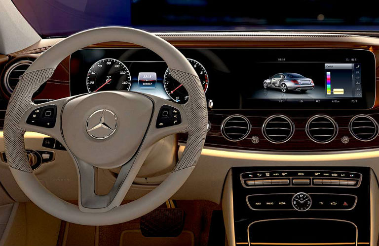 What technology features does the mercedes benz e class have for Mercedes benz apple carplay