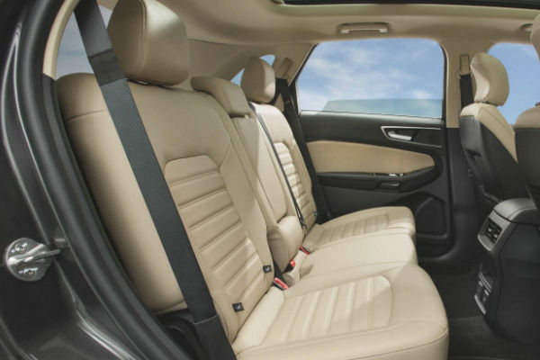 2017 ford edge interior passenger and cargo space. Black Bedroom Furniture Sets. Home Design Ideas
