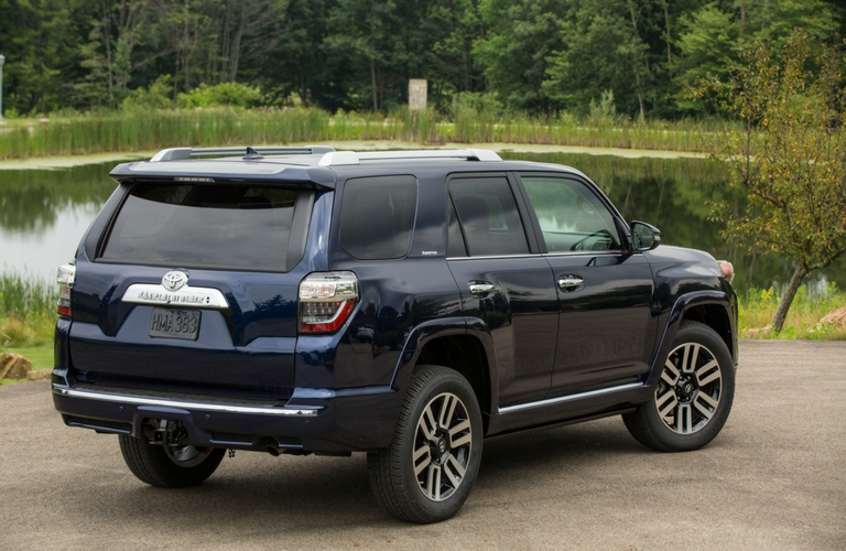 2017 toyota 4runner features and specs. Black Bedroom Furniture Sets. Home Design Ideas