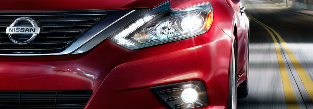 2017 Nissan Altima SL grille and LED headlights
