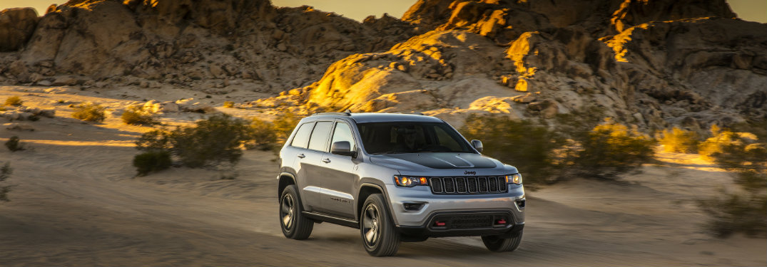 2017 jeep grand cherokee trailhawk and summit release date. Black Bedroom Furniture Sets. Home Design Ideas