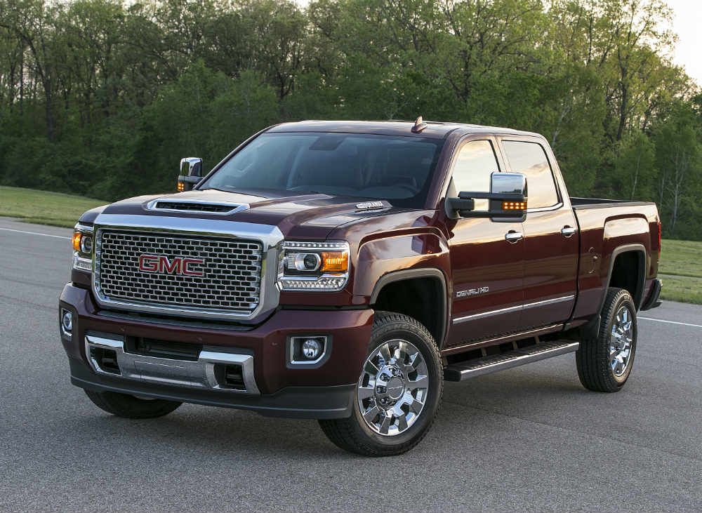 2017 gmc sierra denali 2500hd first look. Black Bedroom Furniture Sets. Home Design Ideas