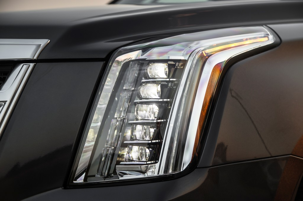 2015-cadillac-escalade-headlamps