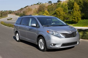 2014 toyota sienna vs 2014 toyota venza. Black Bedroom Furniture Sets. Home Design Ideas