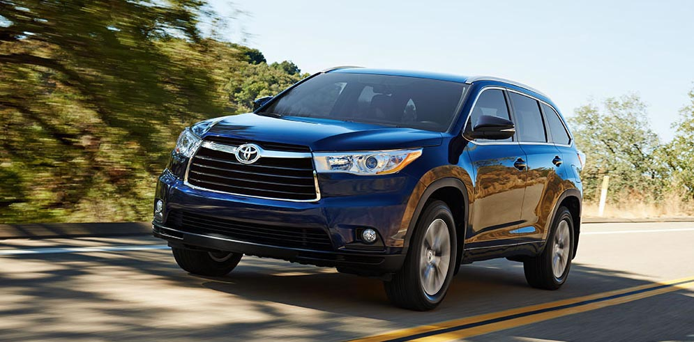 consumer reports throws a plug for toyota highlander excellence. Black Bedroom Furniture Sets. Home Design Ideas