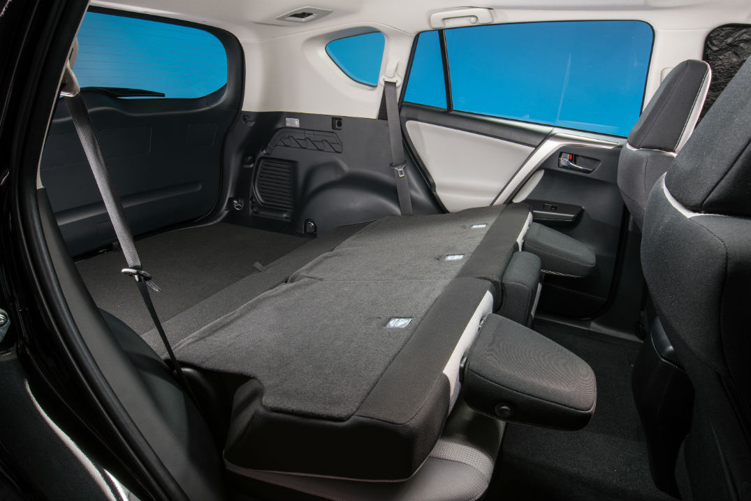 how much can the 2016 toyota rav4 hybrid haul. Black Bedroom Furniture Sets. Home Design Ideas