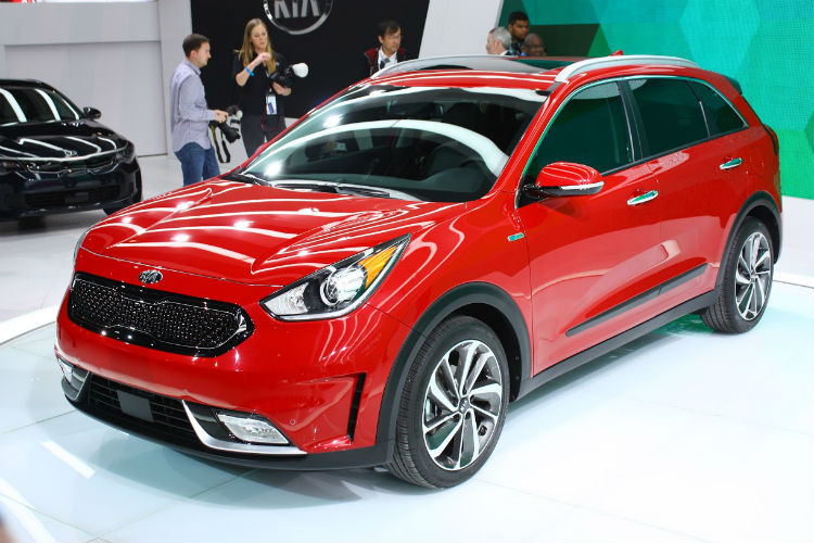 2017 kia niro hybrid availability specs and features. Black Bedroom Furniture Sets. Home Design Ideas