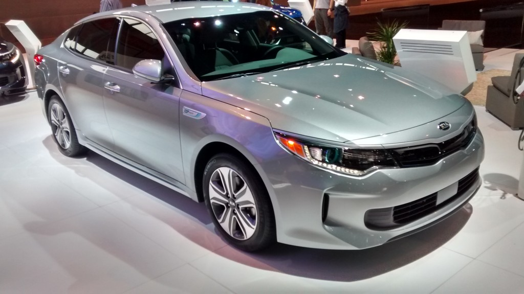 2017 kia optima hybrid plug in auto show debut and features. Black Bedroom Furniture Sets. Home Design Ideas