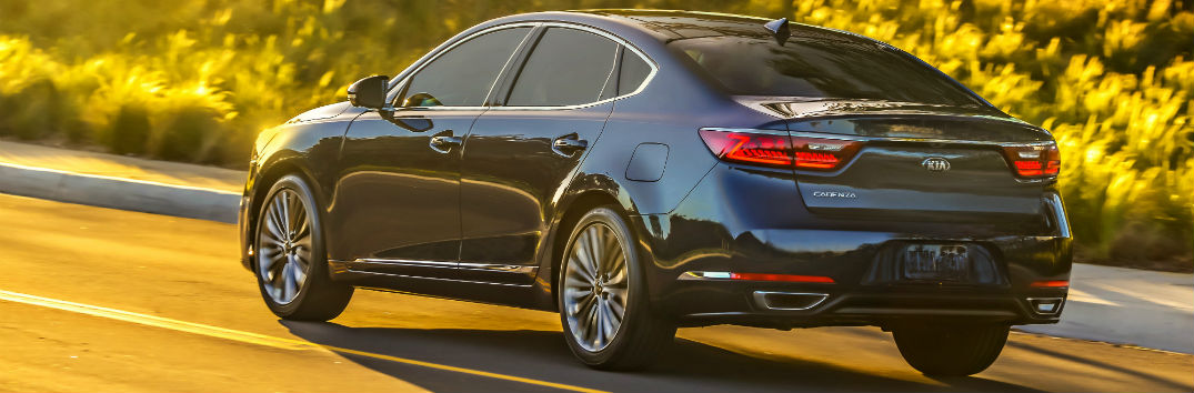 2017 kia cadenza iihs top safety pick and safety features. Black Bedroom Furniture Sets. Home Design Ideas