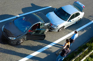 Signs of a staged car crash