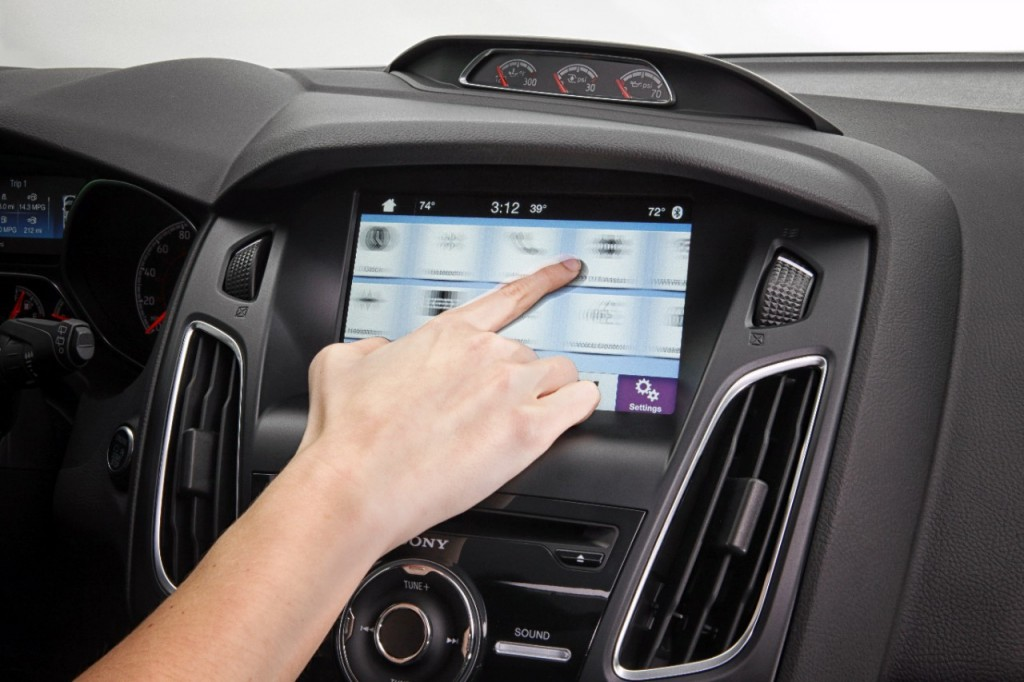 Ford changes up its SYNC system, we're all in awe
