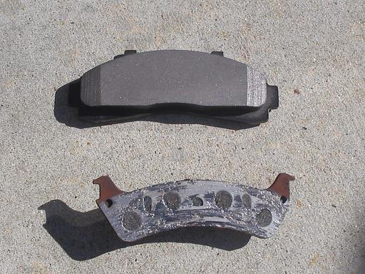 Car Break Pads Worn : Signs your brakes need to be fixed