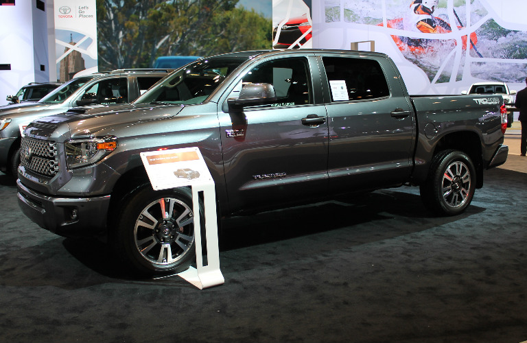 2018 toyota tundra trd sport chicago auto show images. Black Bedroom Furniture Sets. Home Design Ideas