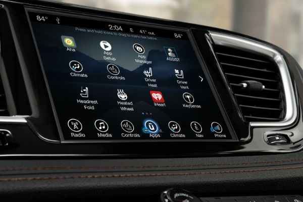 Touchscreen display new Chrysler Pacifica