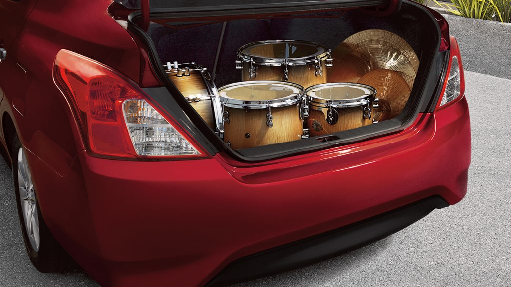 2017 nissan versa available glendale heights il. Black Bedroom Furniture Sets. Home Design Ideas